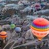 Політ на повітряній кулі над Гьореме та долинами.