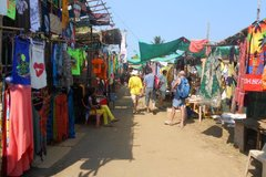Блошиный рынок Анжуна