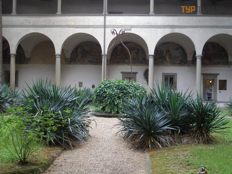 Церковь Санта-Мария-дель-Кармине