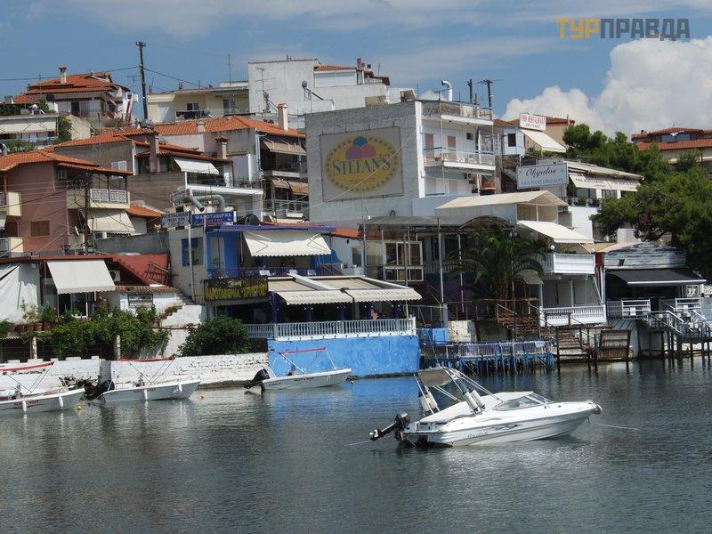 Деревня Неос Мармарас