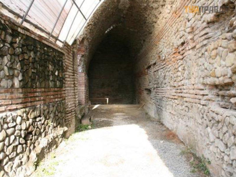 Римский амфитеатр Дурреса