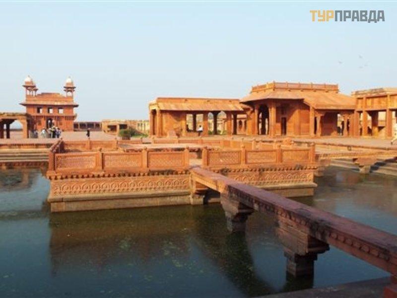 Древний город Фатехпур-Сикри